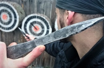 Professional throwing knives